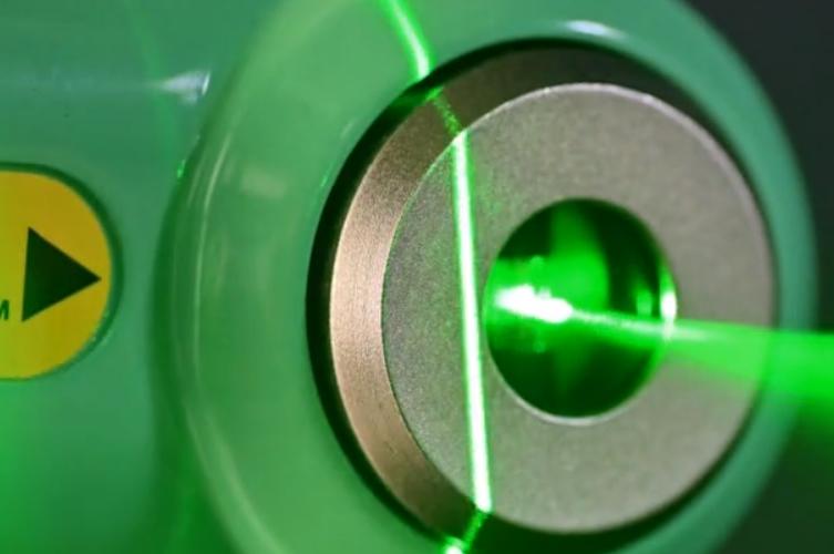 Emerald Laser - Magne-Tec