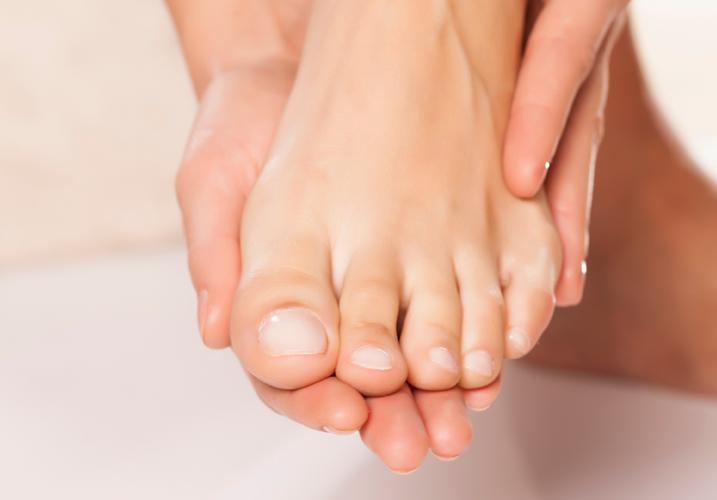 Lunula-Nail-Fungus-Laser-Healthy-Nails